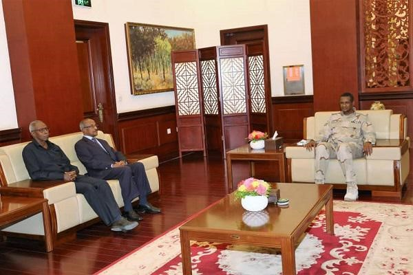 Lt. Gen. Daglo Receives Eritrean Foreign Minister